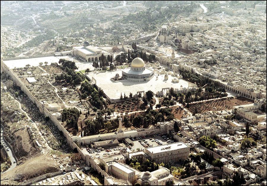 """مراجعات على الدكتور يوسف زيدان (8)  بشأن اسم """" القدس"""" وإيلياء """""""